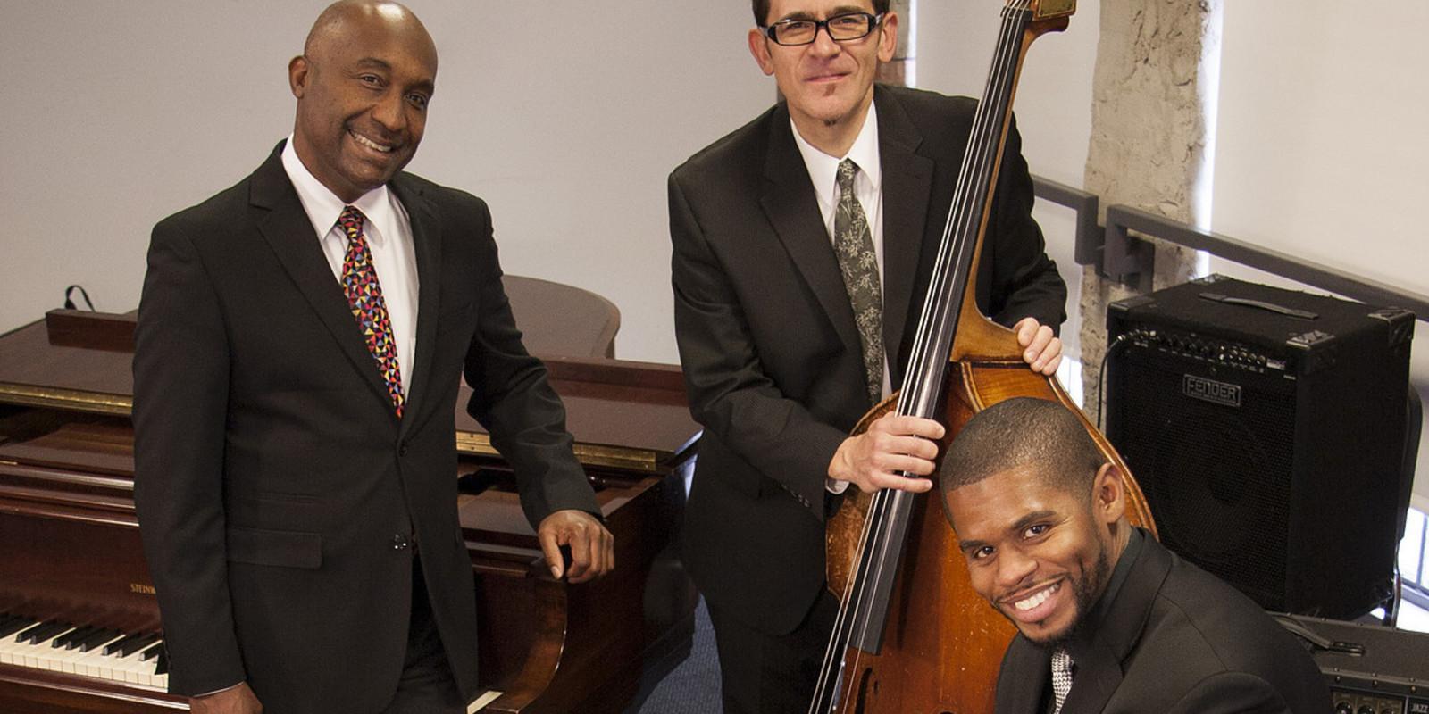 Bobby Floyd Trio (Corner Stage)